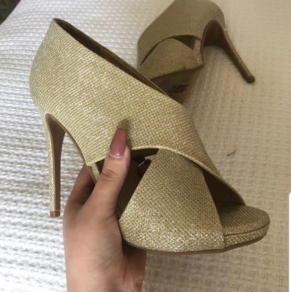 Chinese Laundry Shoes - Gold Heels